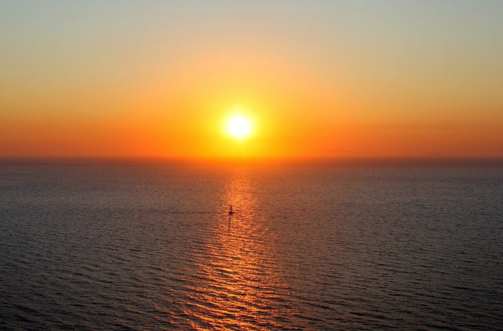 Santorini: Sunset from Amoudi Bay
