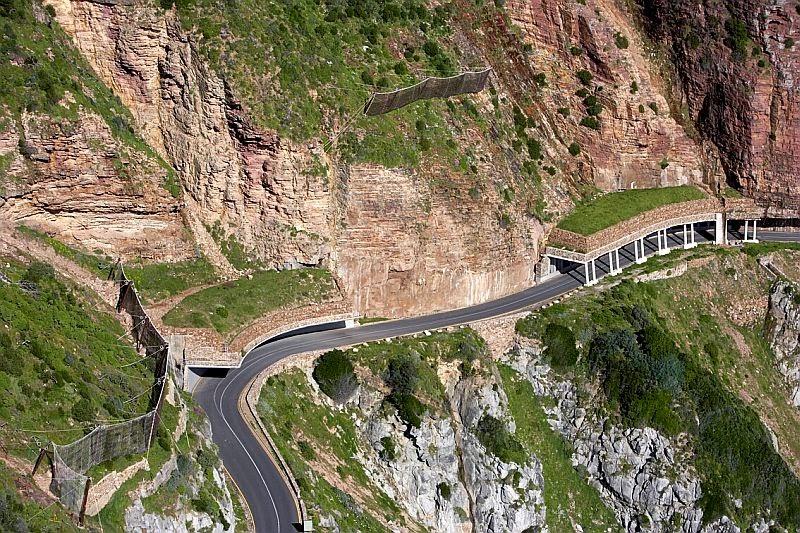 Cape Town: Chapman's Peak drive (pic courtesy: www.chapmanspeakdrive.co.za)