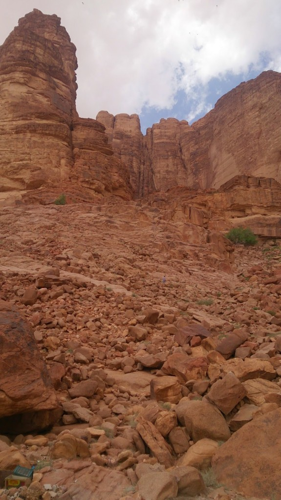 Wadi Rum: Lawrence's Spring - Ankur is a little speck in the centre