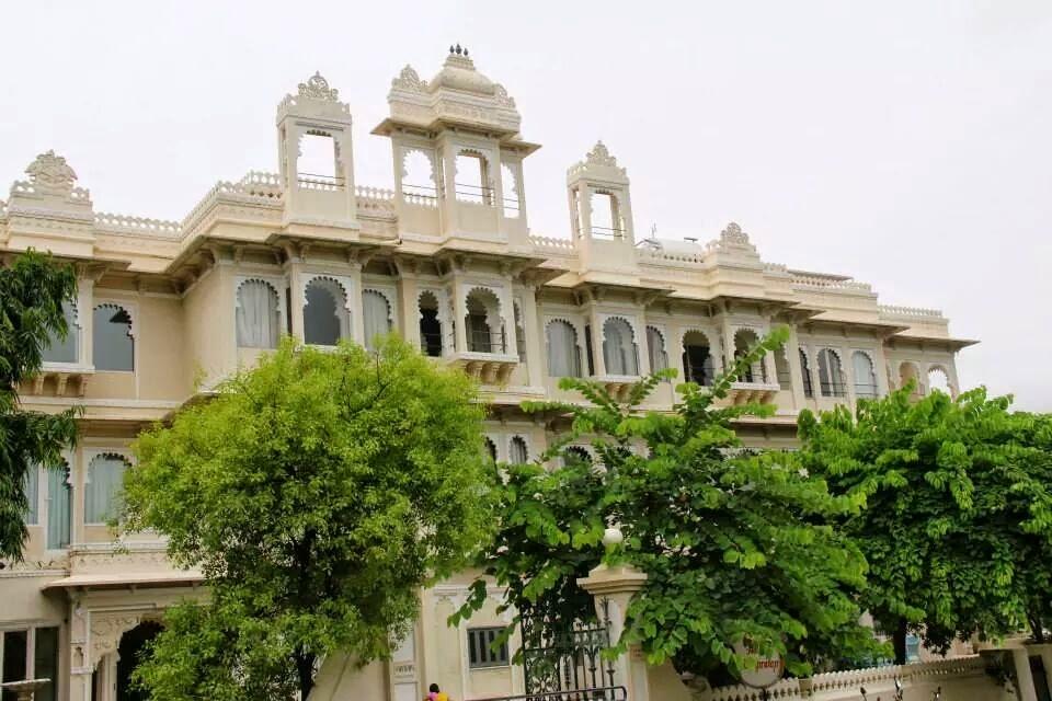 Udaipur: Hotel Rampratap Palace at Lake Fatehsagar