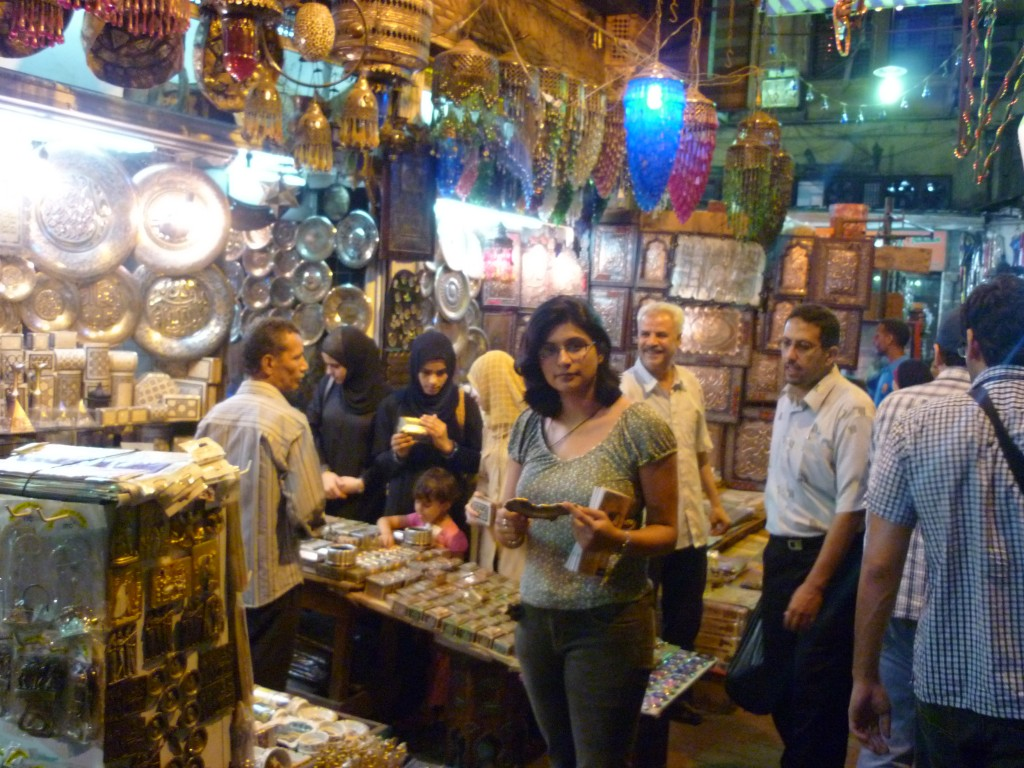 Cairo: Trinket shopping at the Khan el Khalili market