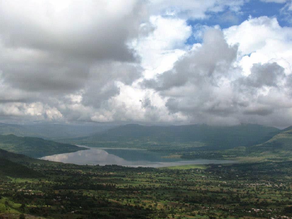 Kas: Overlooking Kanher Dam