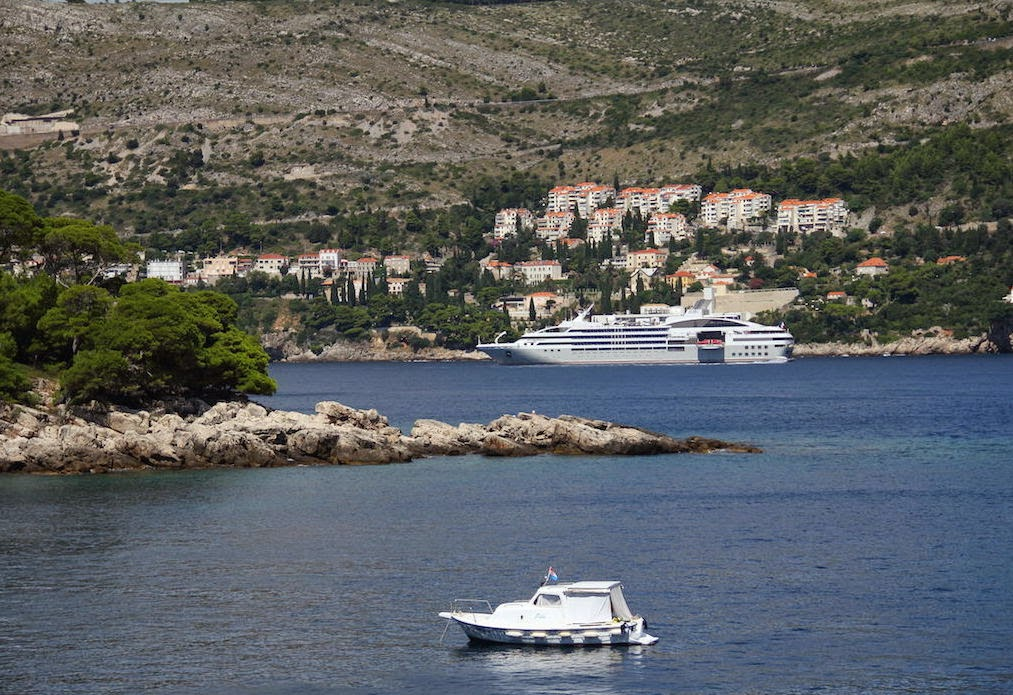 Lokrum Island: Cruise ship and yacht seen en rout to Lokrum from Dubrovnik