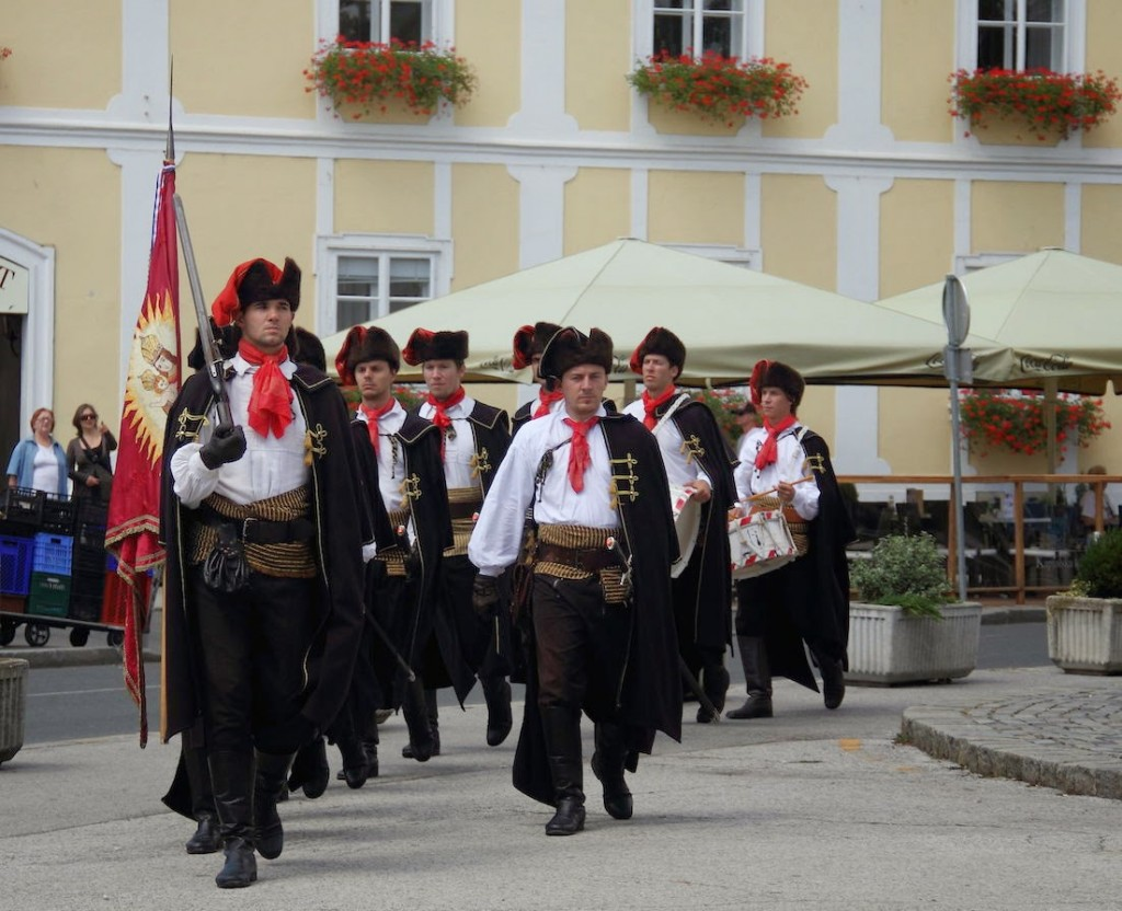 Zagreb: Change of Guard