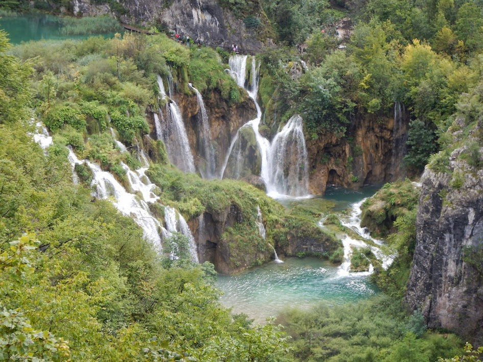 Zadar: Day trip to Plitvice National Park
