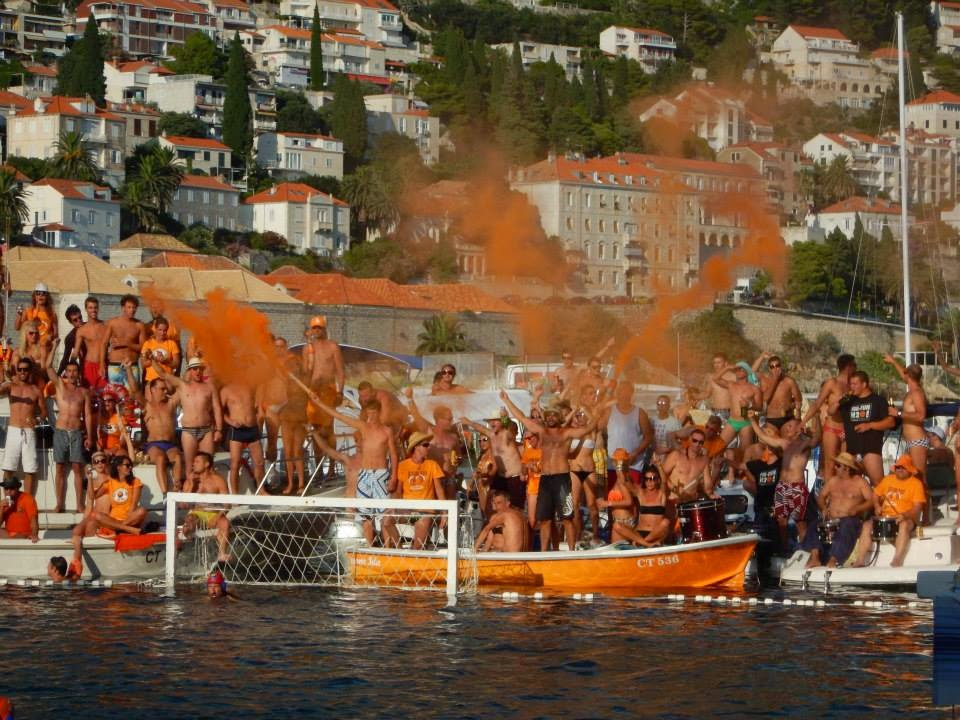 Dubrovnik: Water Polo - Cheering for H2O