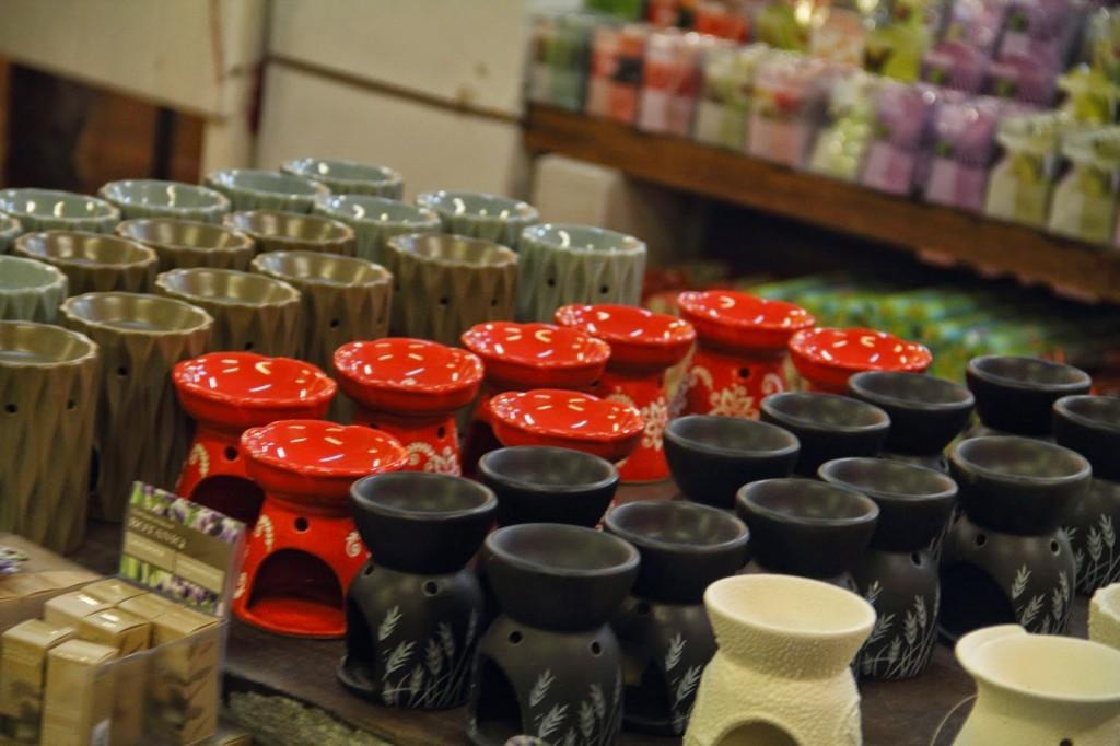 Porcelain fragrance diffuser