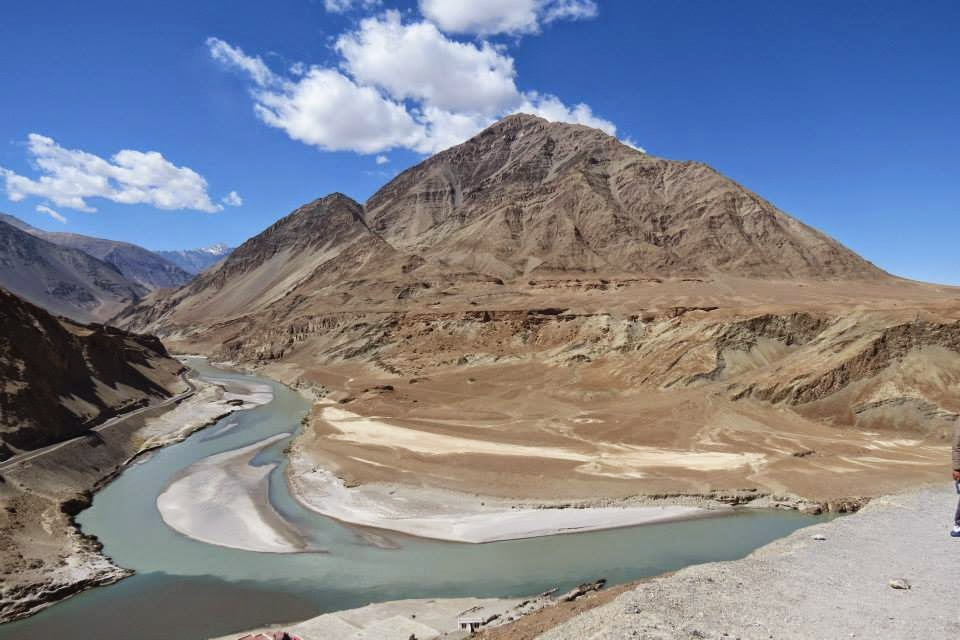 Ladakh: Confluence of Zanskar and Indus (pic courtesy: Kanchan Chippagiri)