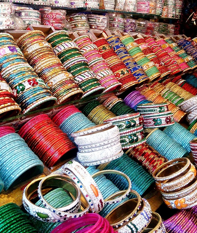 Colourful bangles in Aminabad
