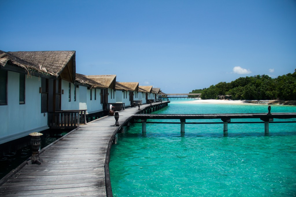 Water Bungalow Reethi Beach Resort