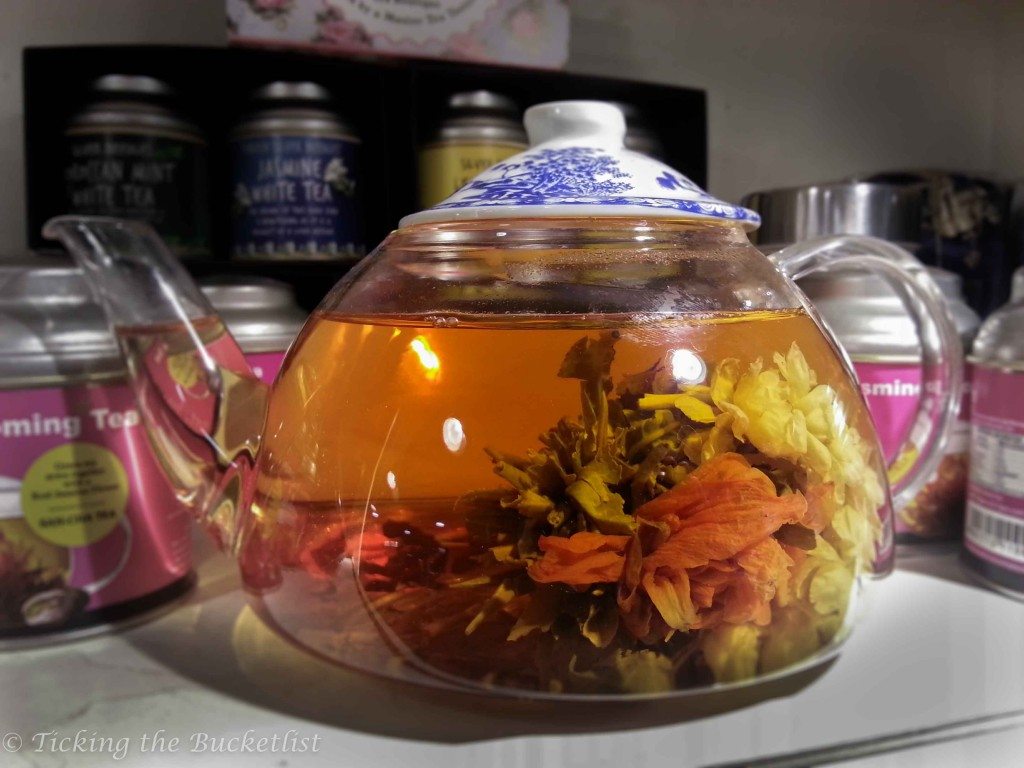 Blooming tea at San Cha