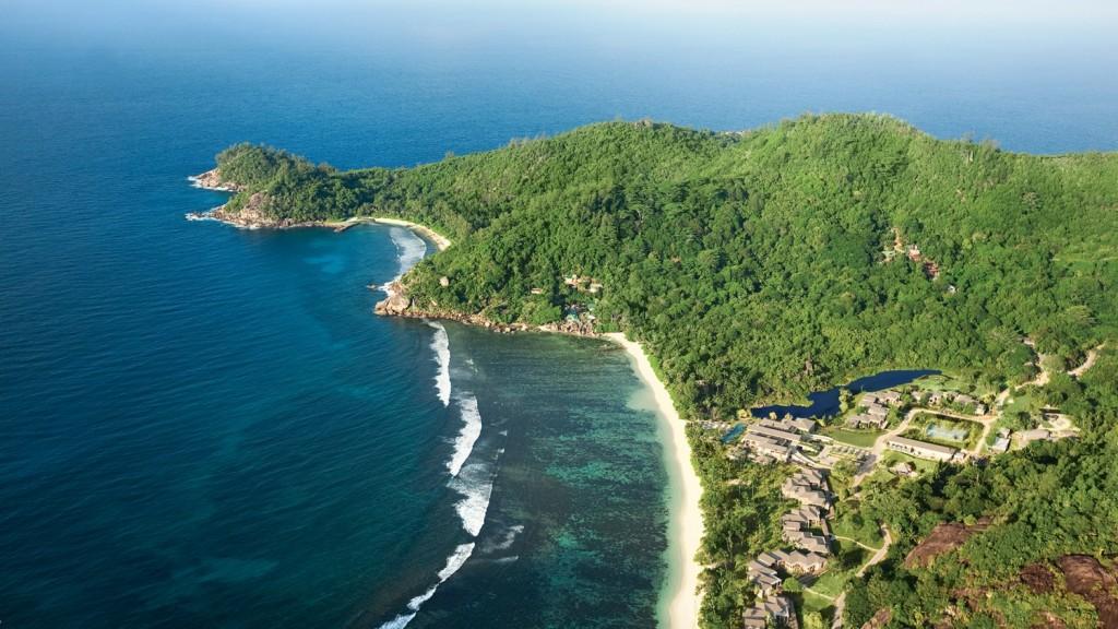 Perfect setting for a resort... (pic courtesy: Kempinski, Mahe)