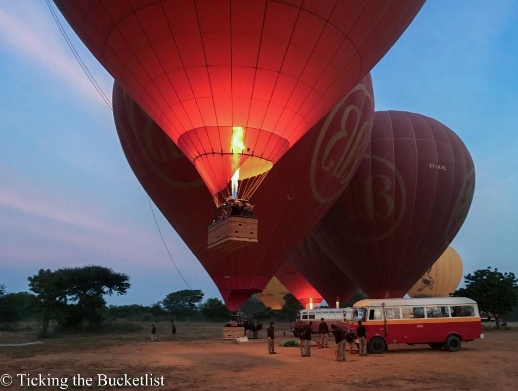 Hot air ballooning with Balloons Over Bagan
