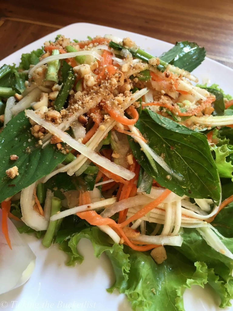 Raw papaya salad...yum yum yum!